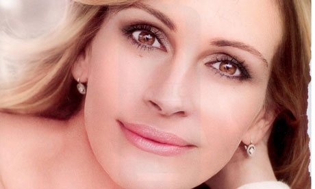 Julia Roberts in her L'Oreal Commercial