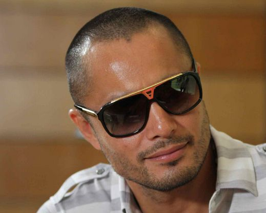 ... Derek Ramsay to Star in Viva Films with Rival Network's Stars - Derek-Ramsay-Viva
