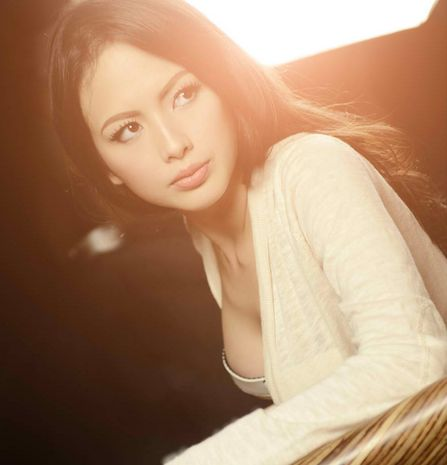 <b>Ellen Adarna</b> to Quit Showbiz in 2014 Back to Corporate Life - Philippine ... - Ellen-Adarna