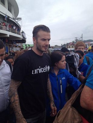 David Beckham Arrived in Tacloban to Help Yolanda Survivors (Photos)