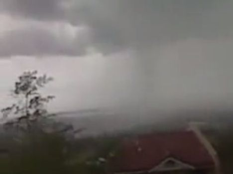Tornado (Buhawi) Hits Cebu City on April 8, 2014 (Videos)