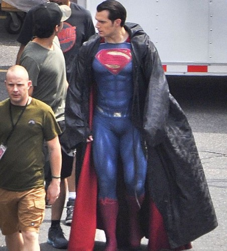 Superman Suit of Henry Cavill in Dawn of Justice Released Online (Photo)