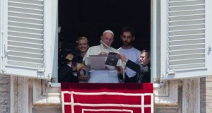 Pope Francis Registered for World Youth Day Using an iPad