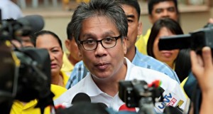 DILG Sec. Mar Roxas Assures Smooth Traffic Despite INC Rally