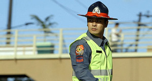Ang Probinsyano's Coco Martin Dances as Traffic Enforcer Went Viral Online (Video)