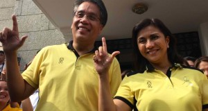 "Mar Roxas Promises to ""Drive"" Philippines to Become ""First World"" Country (Video)"