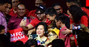 Sen. Miriam Defensor-Santiago Released her Newest Pick-up Lines During Election Campaign