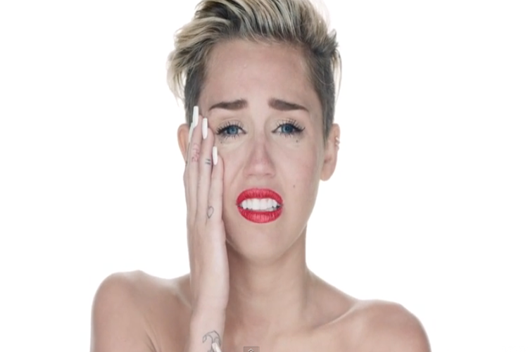 Viral: Emotional Video Message Of Miley Cyrus Over Hillary's Loss