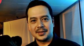 "John Lloyd Cruz Spends Last Year Being A ""Kapamilya""?"