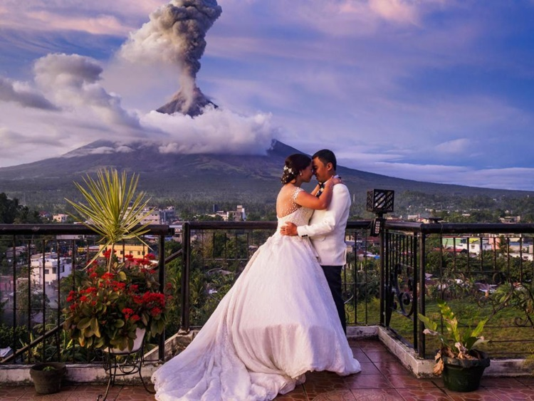 Viral Wedding Photo