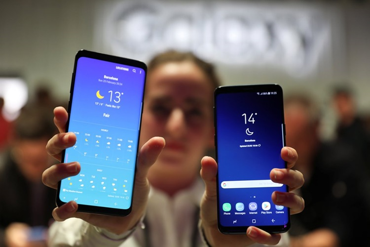 Samsung Galaxy S9 Launching Competes With Apple's iPhone X