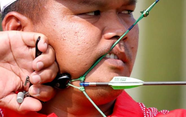 Indonesia's Muhamad Rindarto in Archery