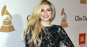 "Avril Lavigne ""Accepted Death"" When She's Bedridden For 2 Years"