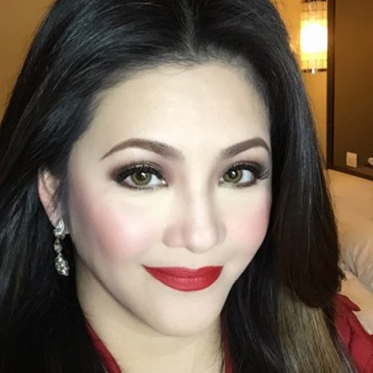 Regine Velasquez photo with Lea Salonga