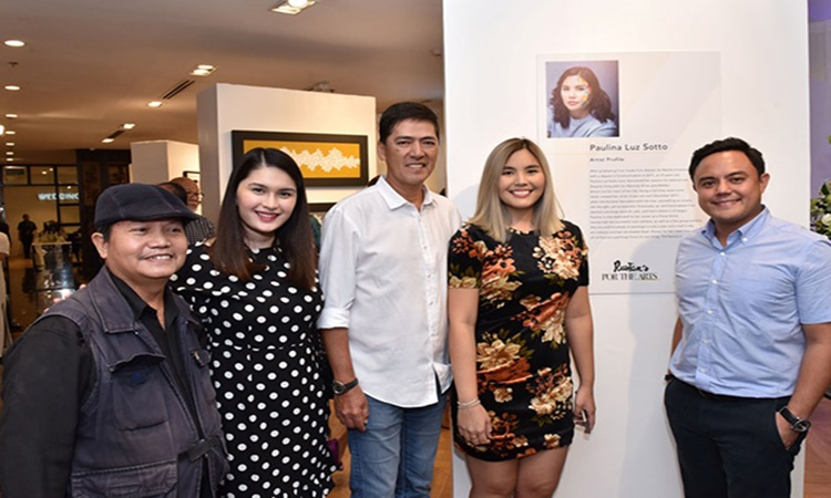 Vic Sotto  and paulina family