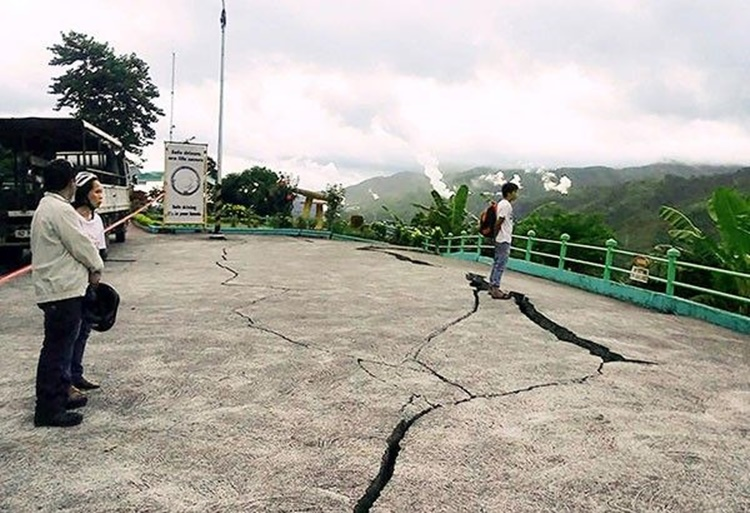 Negros Fault Lines