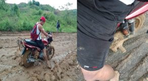 Male Netizen Shares Photos of Muddy Road In Their Village