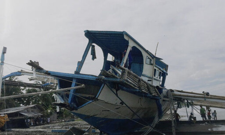 Filipino-fishing-boat