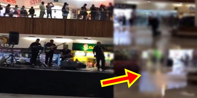 Musicians in flooding mall
