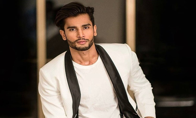 Reigning-Mr-World-rohit-khandelwal-1