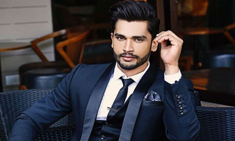 Reigning-Mr-World-rohit-khandelwal