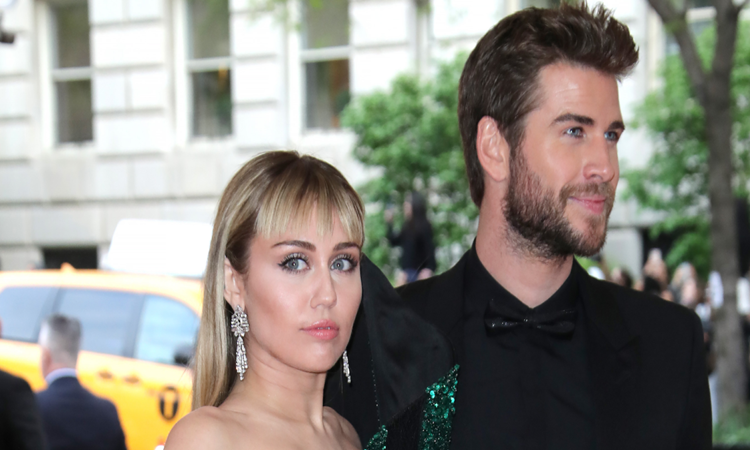 miley-cyrus-liam-hemsworth-1