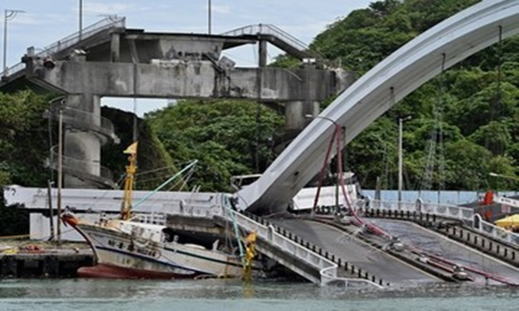 Taiwan Bridge Collapse