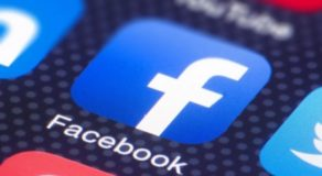 Facebook Bug Accesses iPhone's Camera While Scrolling News Feed