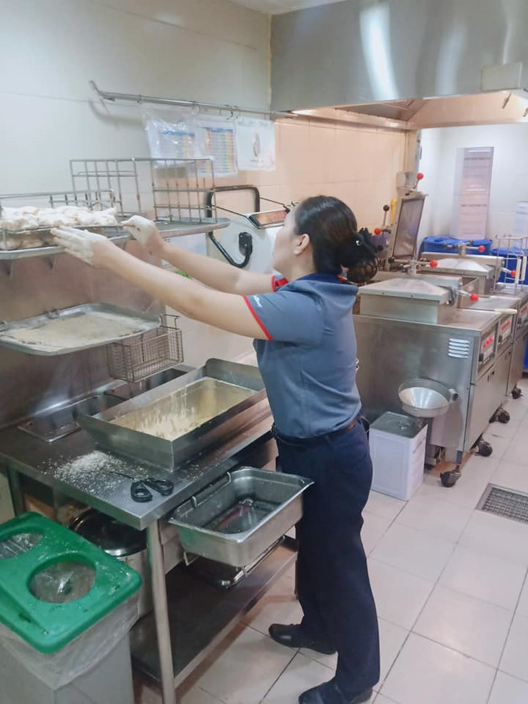 Fast-Food Manager