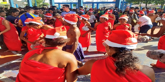 Aetas gives sweet potatoes Christmas 2019