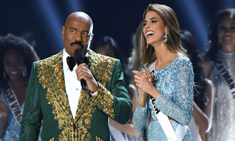 Steve-Harvey-at-Miss-universe-2019