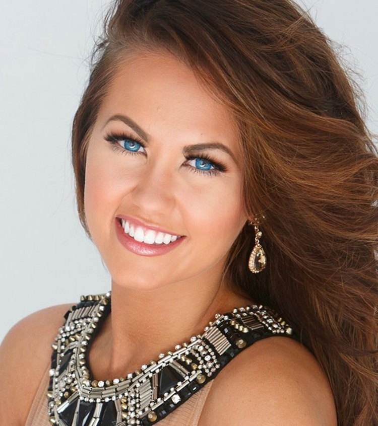 miss universe 2019 selection committee cara mund