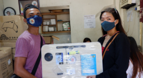 Senior High School Students in Bulacan Received Online Class Kits