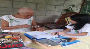 Grandpa, 93, Tutors Grandchild Despite Poor Eyesight and Hearing