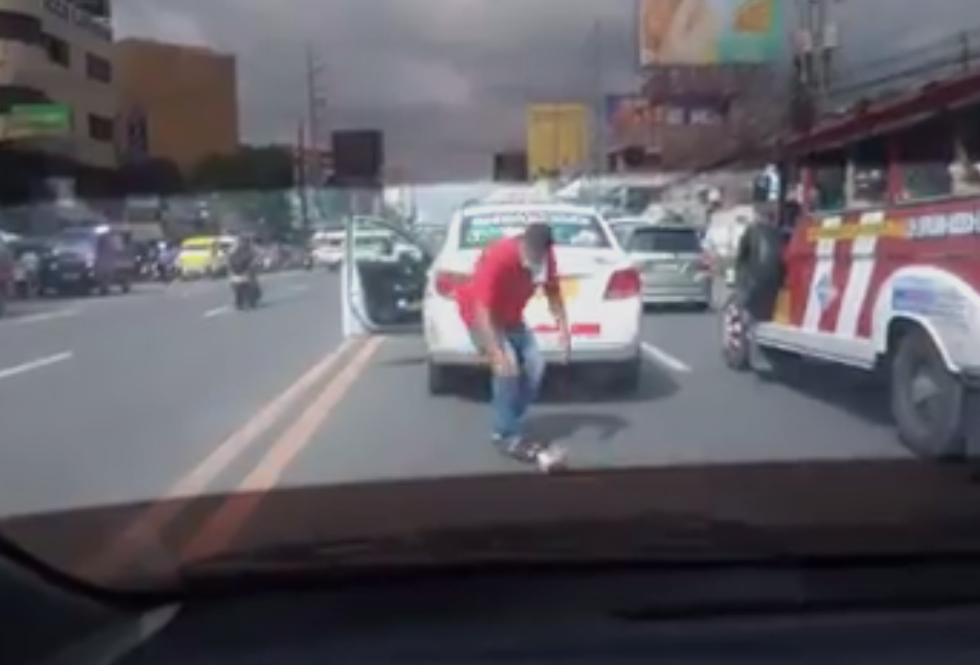 Taxi Driver Saves Cat