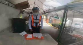 Security Guard Earns Criticisms Over Harsh Treatment to Delivery Rider